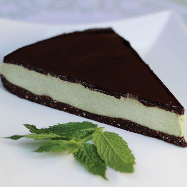 Tort RAW cu ciocolată și mentă
